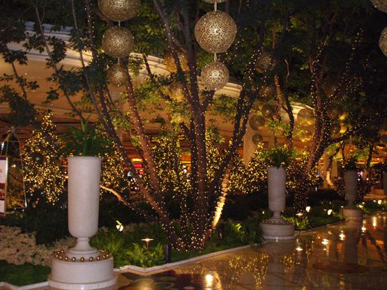 Spectacular Christmas Decorations The Wynn Hotel